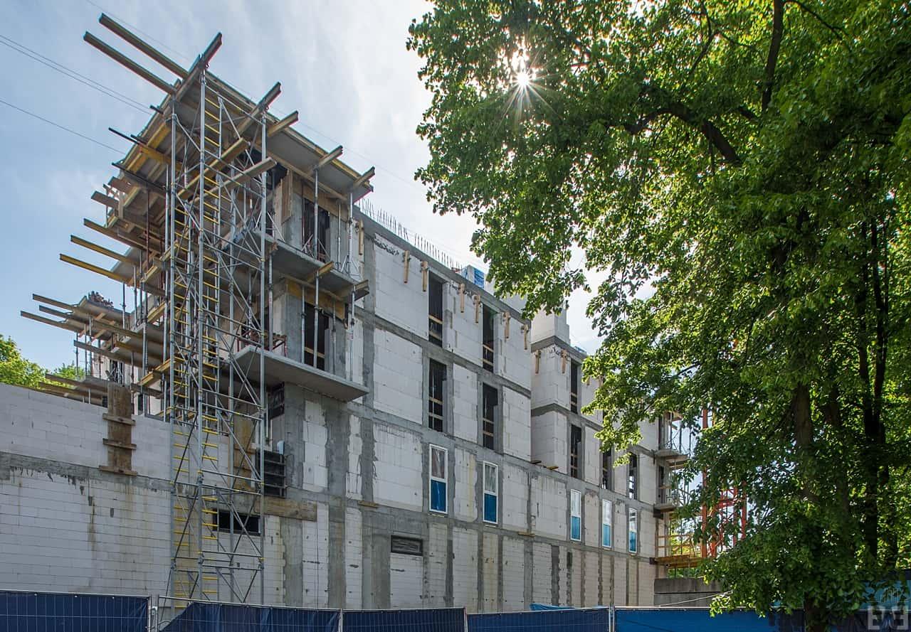 [Mieszkaniowy plac budowy] Wyżyny, Kapuściska, Babia Wieś – wiosna 2019